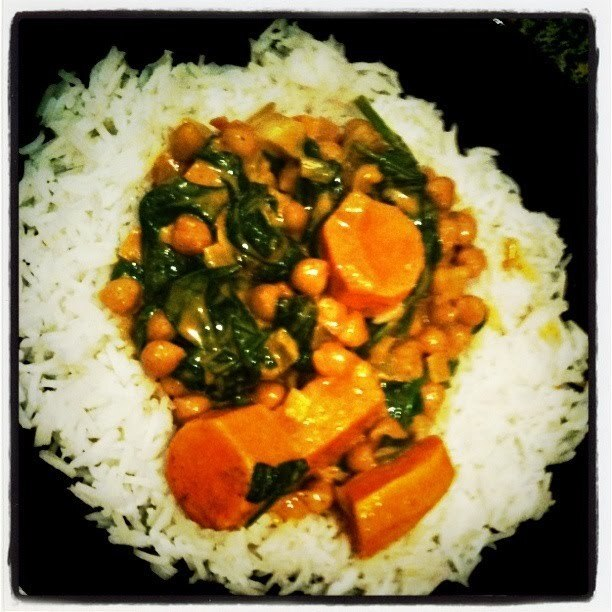 Creamy Sweet Potato, Spinach and Chickpea Curry (v)