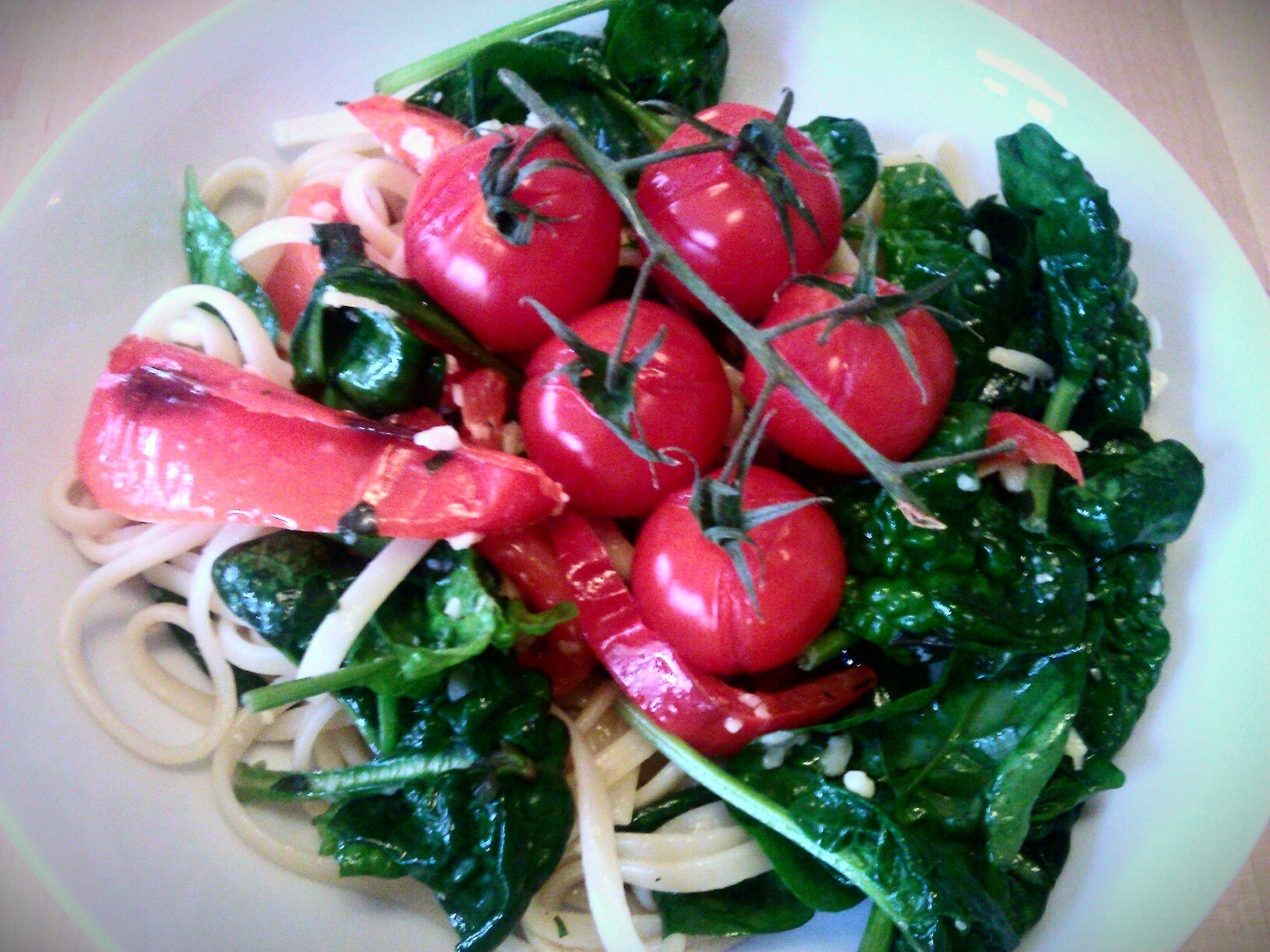 Roast pepper & spinach linguine