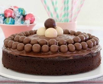 Donna Hay's Melt & Mix Chocolate Cake (No Mixer Needed!)