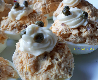 OUS FARCITS DE TONYINA - TUNA STUFFED EGGS