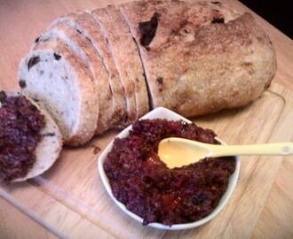 Sun dried tomato tapenade