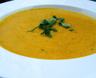 Antonia's Carrot & Coriander Soup (with a touch of parsnip)