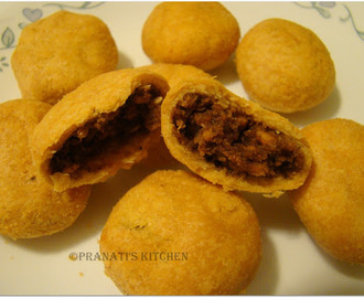 Sweet & spicy Dry Kachori