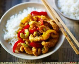 Chicken and cashew nut stir-fry