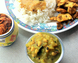 Surakkai (bottle gourd, Lauki, Dudhi) with black eye beans kootu / gravy recipe