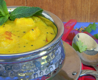 Dahi Paneer or Paneer Cooked in Yogurt Gravy