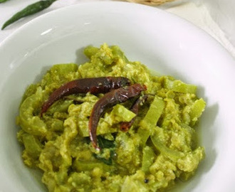 Snake Gourd with Dhal Curry /Pathola Curry