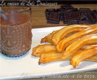 Churros y chocolate a la taza