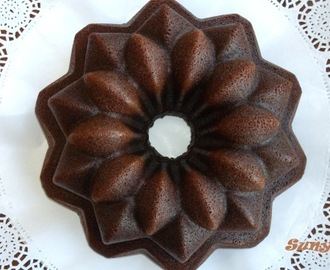 BUNDT CAKE DE CHOCOLATE: The darkest chocolate cake ever