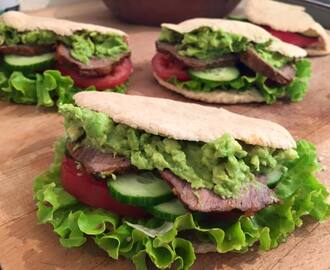 Sandwich light de carne mechada y pan pita