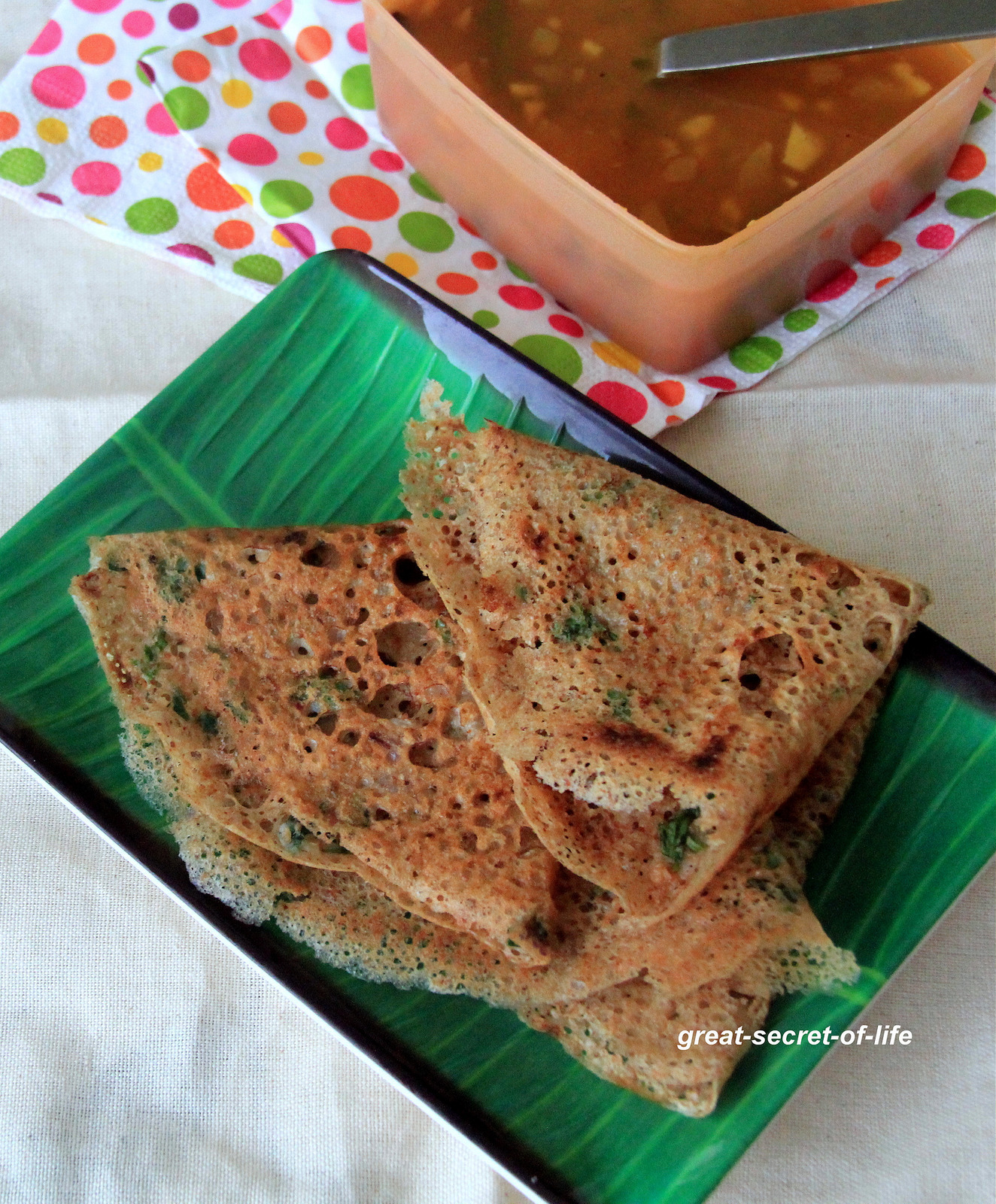 Instant Oats Dosa - Simple Indian crepes with oats - Healthy breakfast recipe