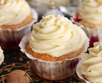 Silvester Darling: Himbeer-Champagner Cupcakes