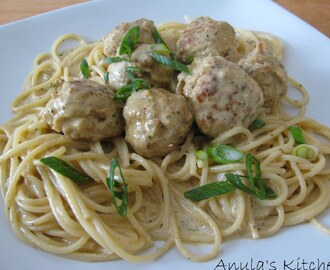 Spaghetti with curried chicken balls...