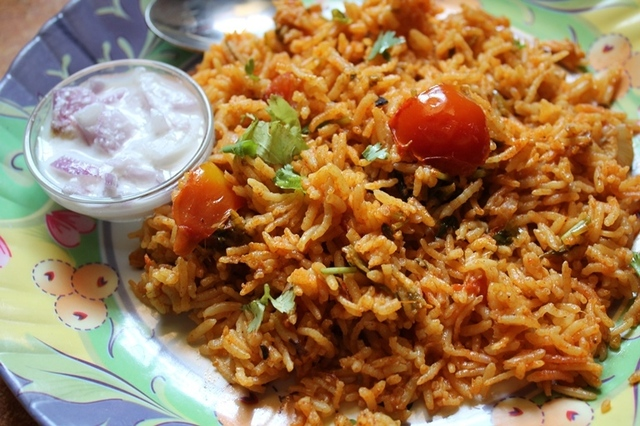 Tomato Biryani Recipe / Thakkali Biryani Recipe / Tomato Biryani in Rice Cooker / Tomato Rice Recipe / Thakkali Sadam Recipe - Rice Cooker Recipes