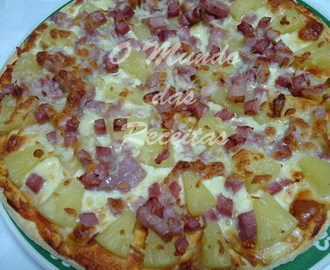 Pizza de Ananás, Fiambre e Bacon