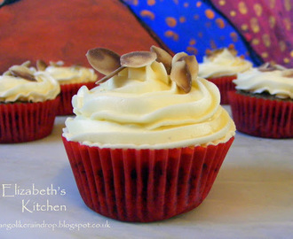 Chocolate Almond Cupcakes with White Chocolate Buttercream