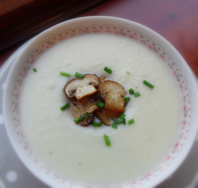 Creamy Cauliflower Soup with Sauteed Mushrooms