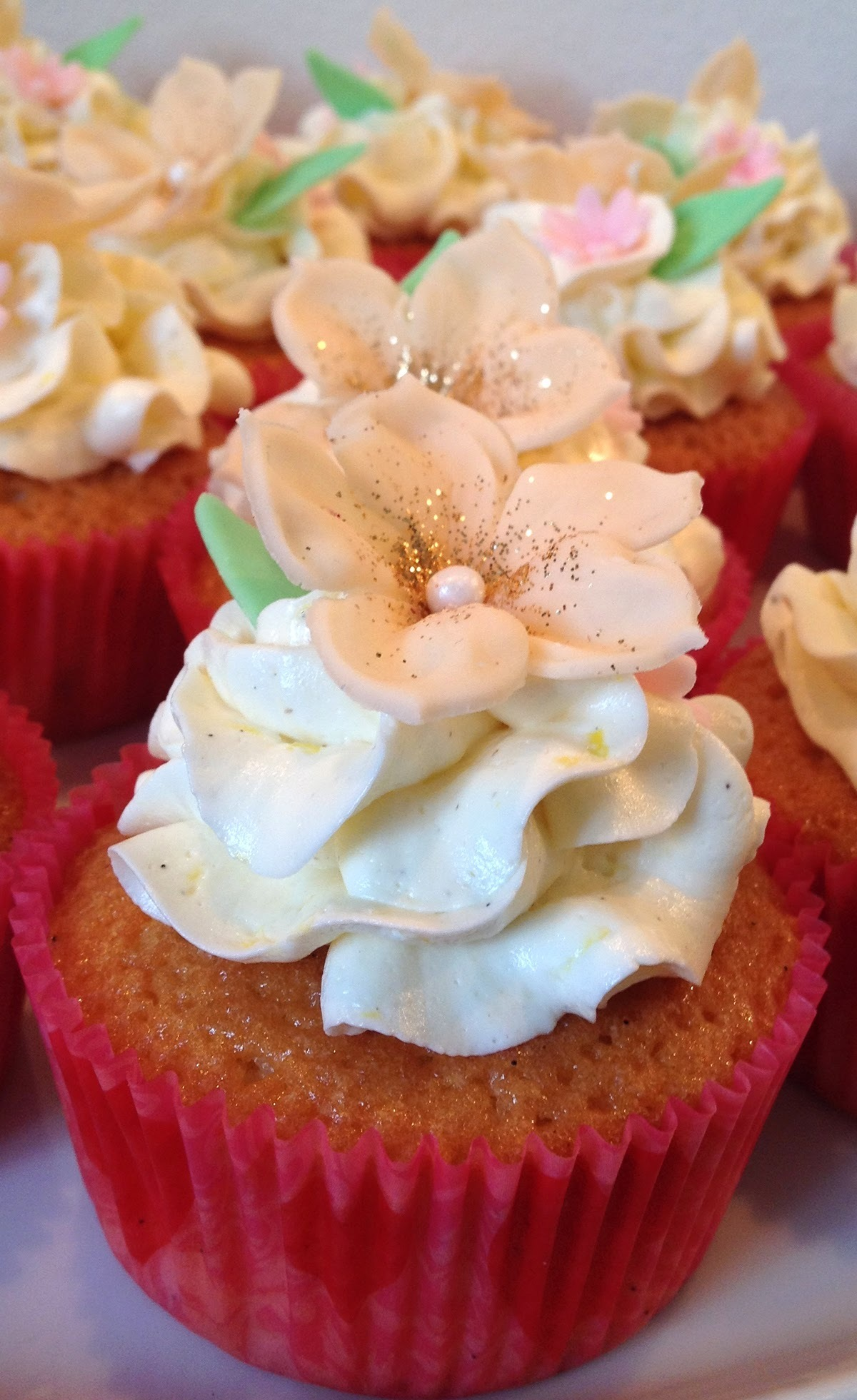 Vanille cupcakes med citron-marengs-frosting