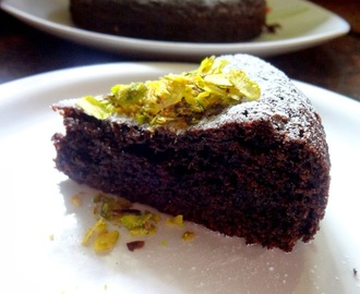 Moist Eggless Chocolate cake  ( Butter free )