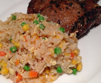 Soya stegt svinekotelet med egg fried rice