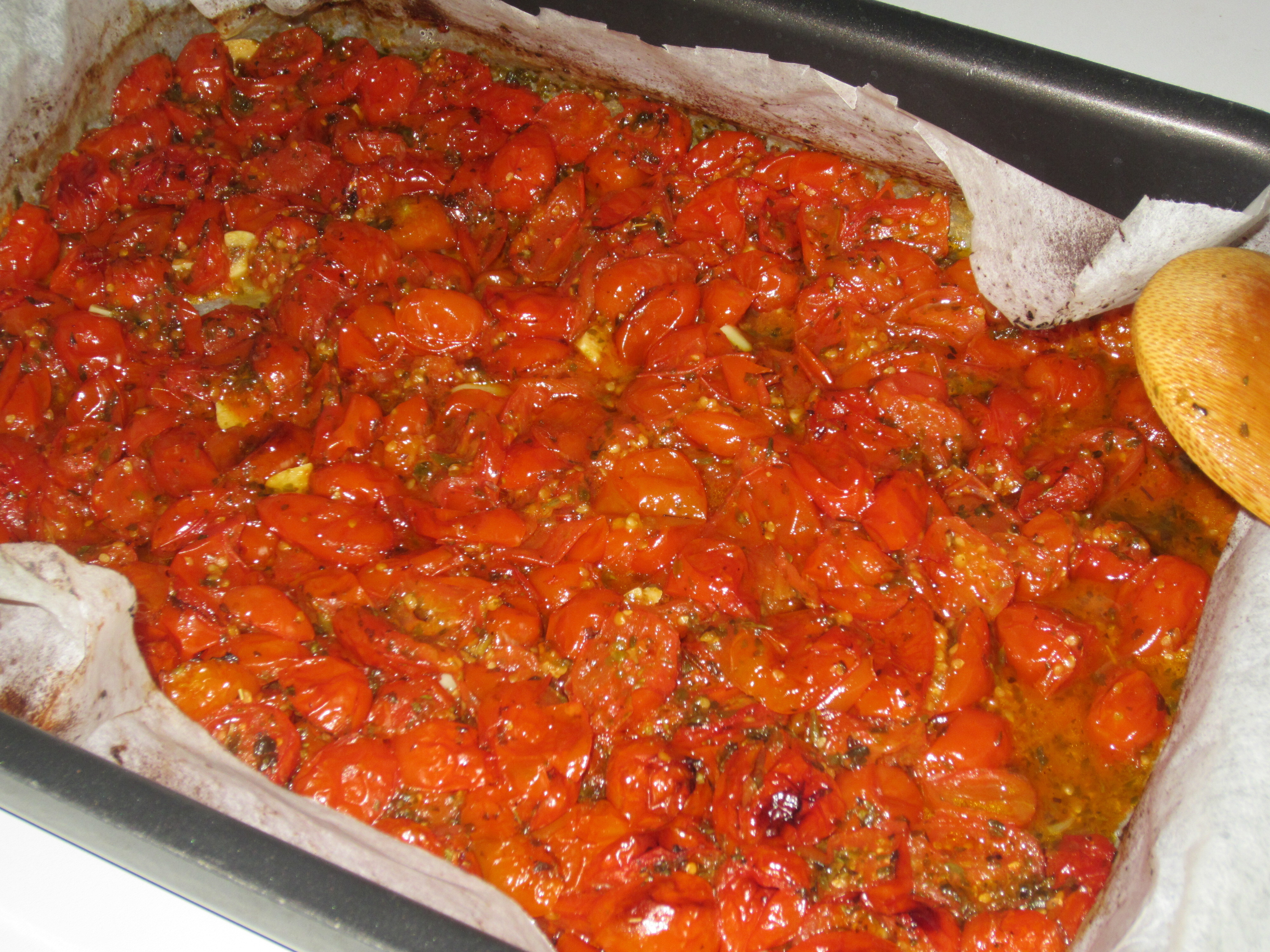 Fresh tomato sauce baked: easy and yummy! Recipe #1