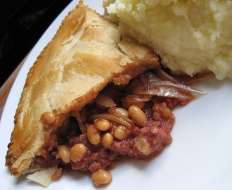 Aunt Doreen's Corned Beef and Baked Bean Pie