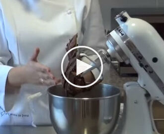Curso en video #5 cobertura de chocolate para cupcakes