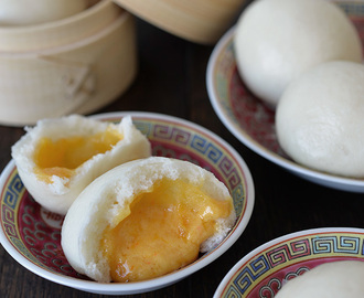 Liu Sha Bao / Chinese Molten Salted Egg Custard Steamed Buns 流沙包 Again! More tips to share!