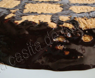 Bizcocho Royal Fondant De Chocolate Negro Con Galletas Maria