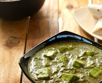 Palak Paneer Recipe – How to make Nutritious Indian Spinach Curry [Vegetarian]