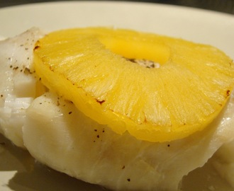 Pescada Assada no Forno com Ananás /  Roasted Hake in te Oven with Pineapple