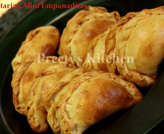 Vegetarian Mini Empanaditas / Finger Food / Party Appetizer ( With Pictures)