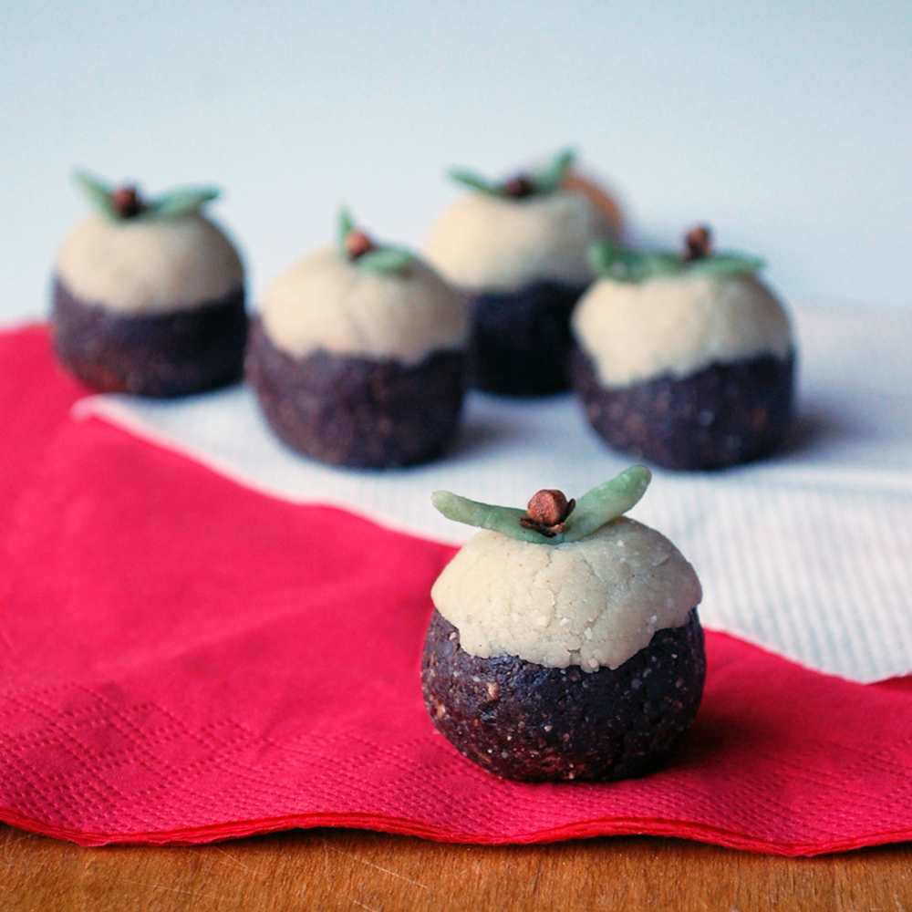 'Twelve Days' day 6: Mini Christmas puds