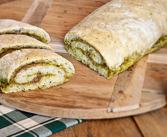 Opgerold pesto brood