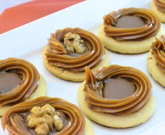 Galletitas con dulce de leche y chocolate