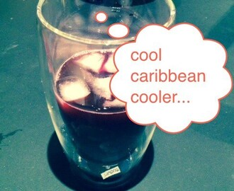 Caribbean cooler with hibiscus flowers