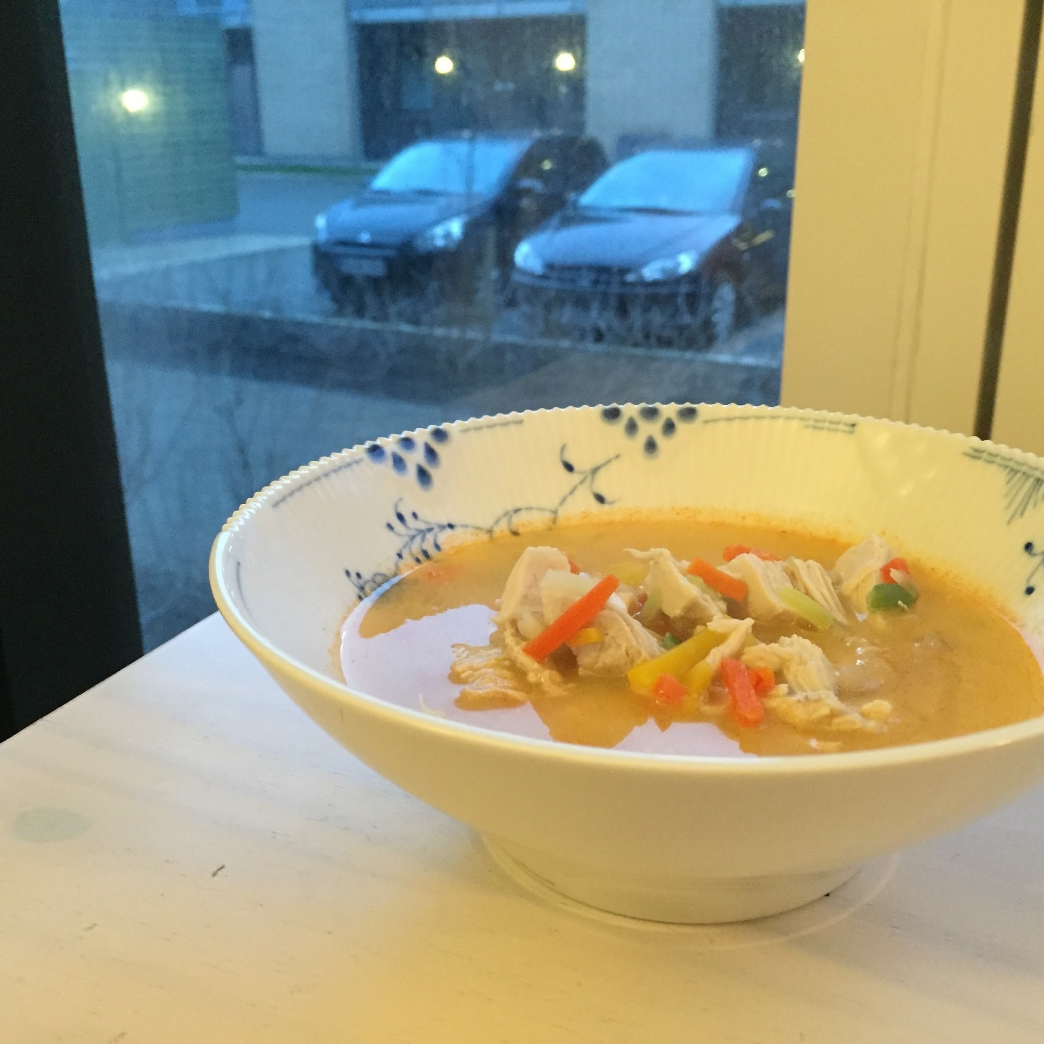 Super nem kylling-karry suppe