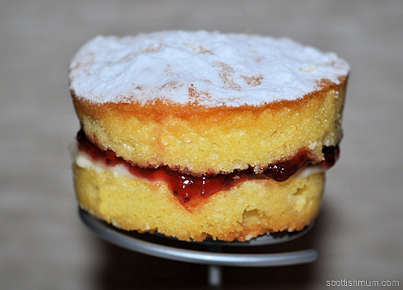 Mini Victoria Sponge Cakes with Buttercream & Jam