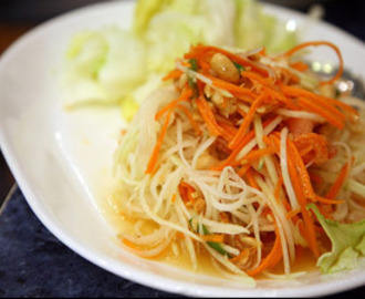 Thai salat i chili og tomater (Tam Papaya)