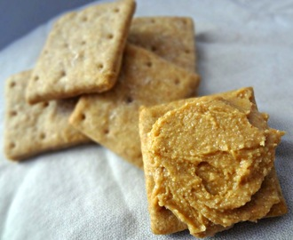 Homemade Whole Wheat Ritz Crackers