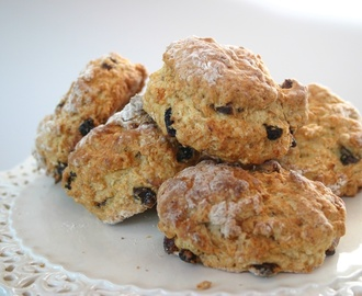 mincemeat scones - a Christmas tea time treat