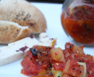 Tangy, sweet, spicy Christmas food gift-tomato, pineapple and cucumber chutney