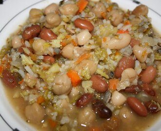 CrockPot White Bean and Sausage Soup