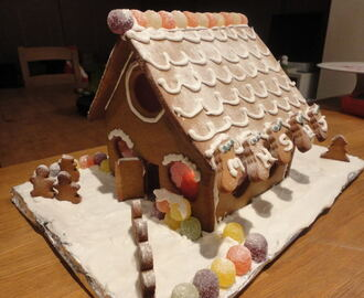 Christmas Gingerbread House Linky