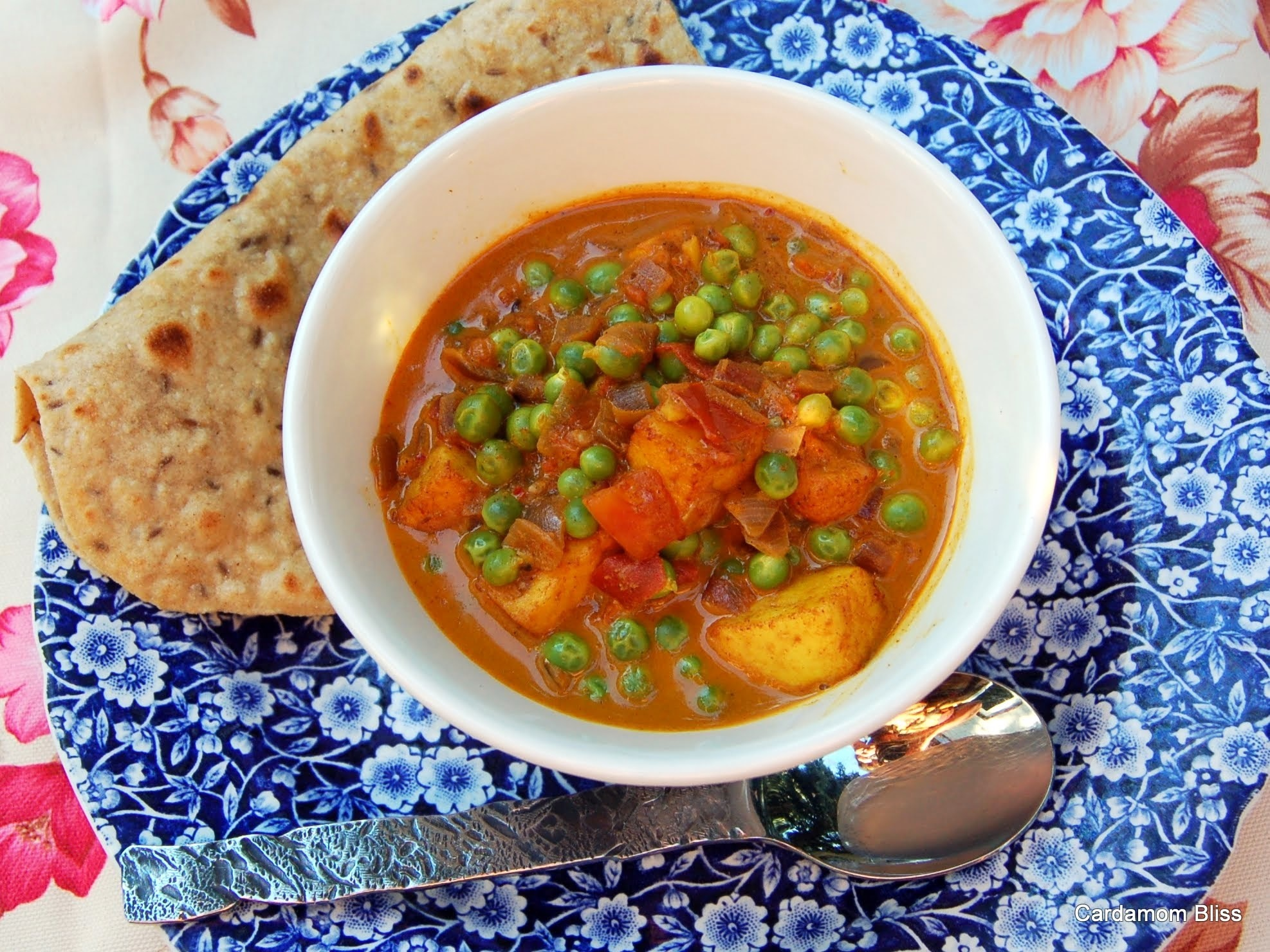 Muttar Paneer (Rich Tomato Gravy with Peas and Indian Cheese)