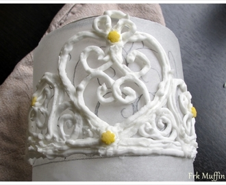 Royal icing Tiara