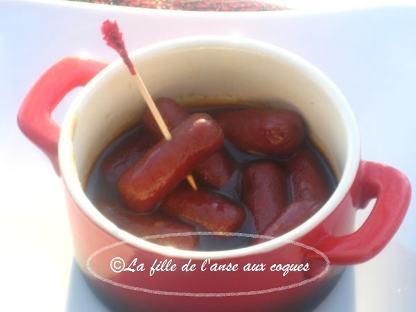 SAUCISSES COCKTAIL EN SAUCE NOIRE