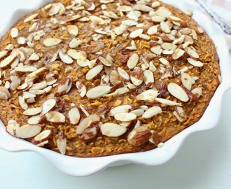 Pumpkin Baked Oatmeal with Crunchy Almond Topping