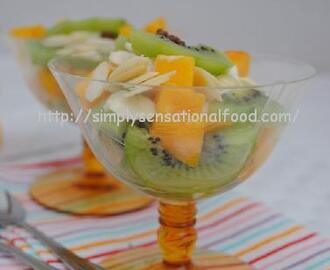 Healthy Yoghurt, Mango and Kiwi Breakfast sundae