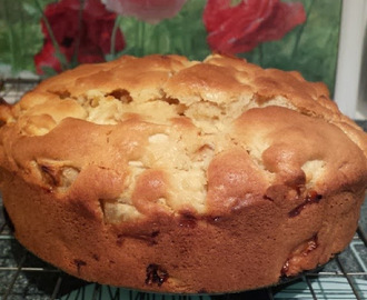 Bramley Apple Cake